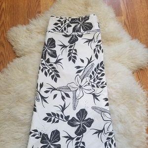 H&M A-Line Skirt Women Size 8 White& Black Floral